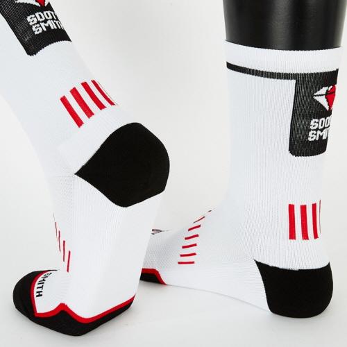 Pedaler Crew Socks: Red