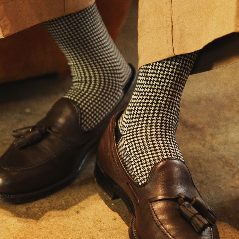 ETS019 Sartorial: Houndstooth Dress Socks : B&WEtzel